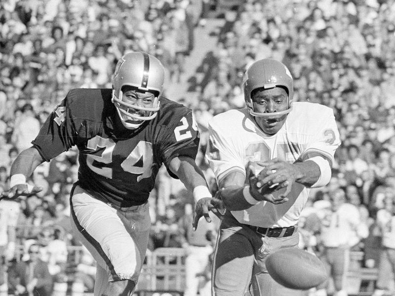 Oakland Raiders cornerback Willie Brown