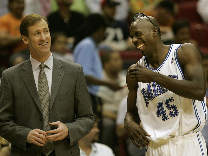 Bo Outlaw laughing with Terry Stotts