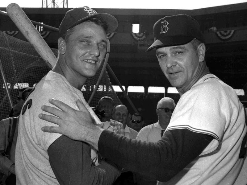 Dick Williams poses with Roger Maris