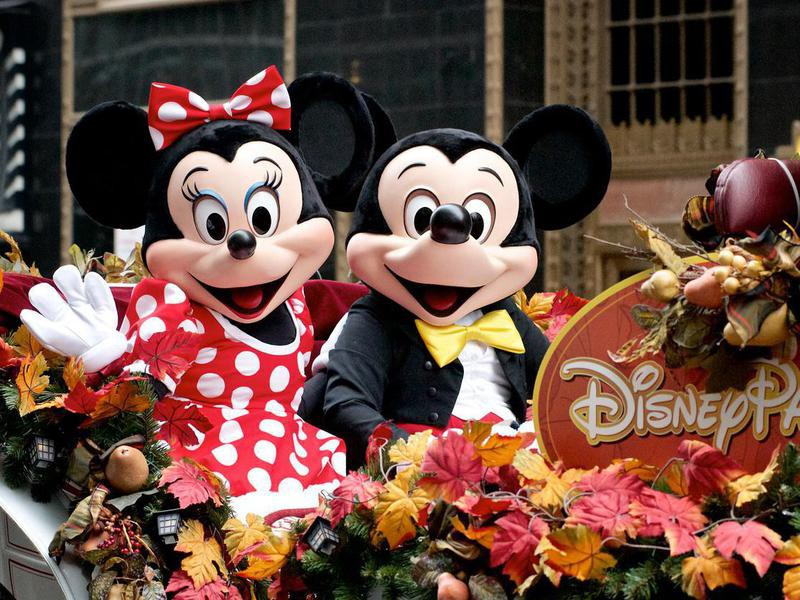 Mickey and Minnie in parade