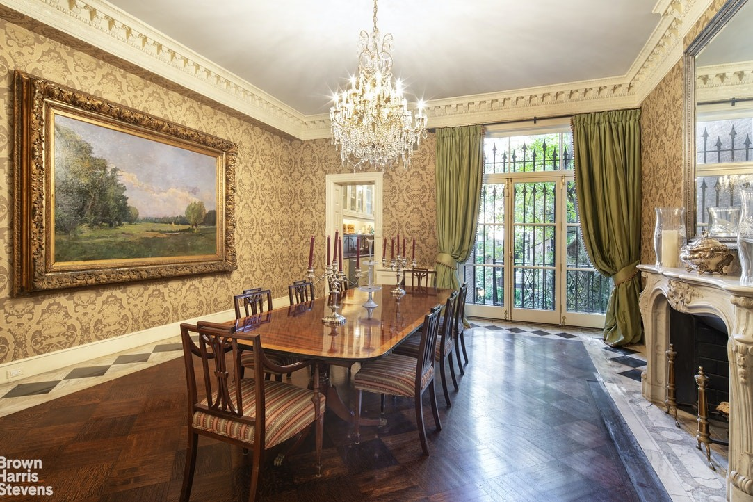 Dining room in NYC townhouse