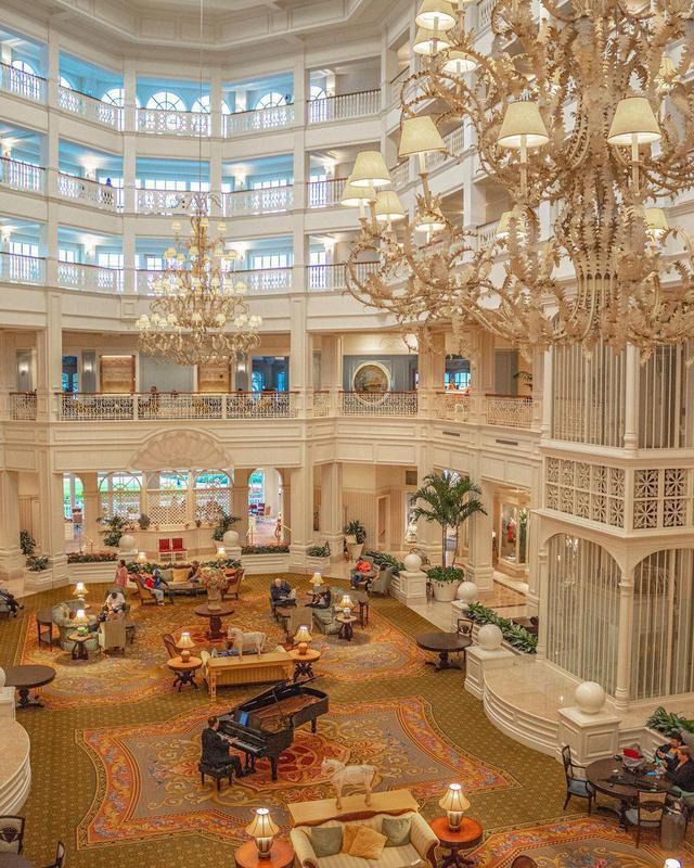 Disney's Grand Floridian Resort & Spa piano room