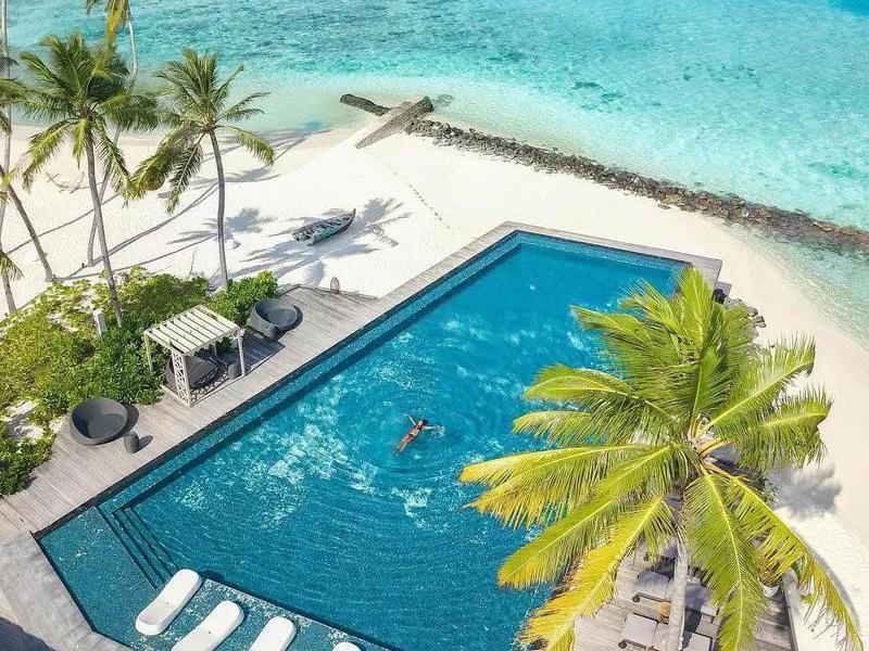 stunning swimming pools