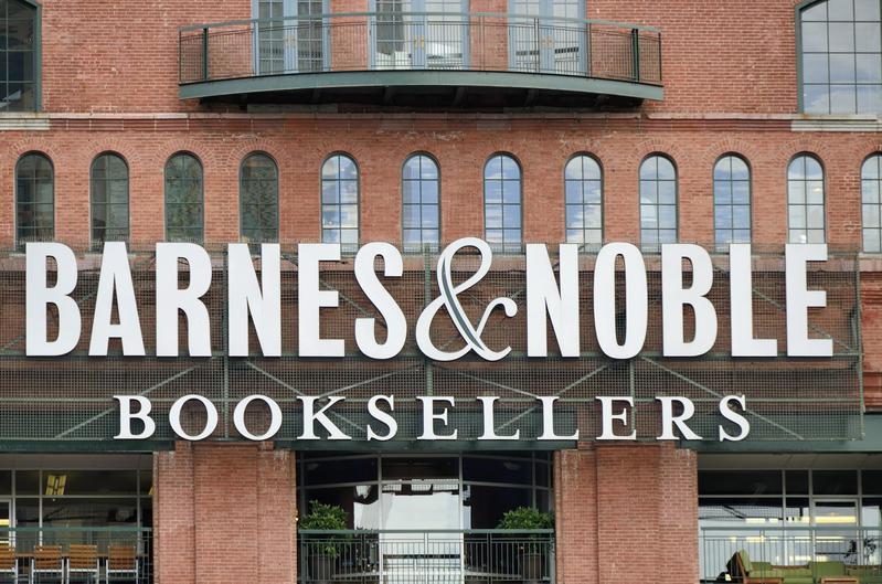 Barnes & Noble sued Amazon