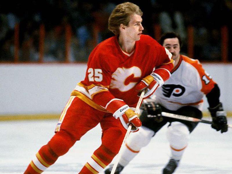 Calgary Flames right wing Willi Plett