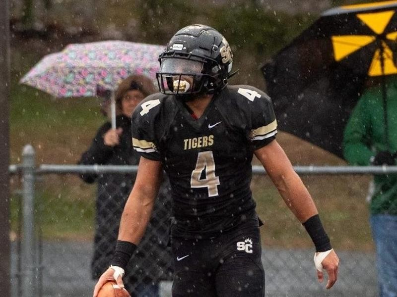 Southern Columbia Area High wide receiver Julian Fleming
