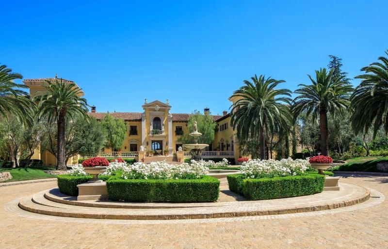 Front of Villa Firenze