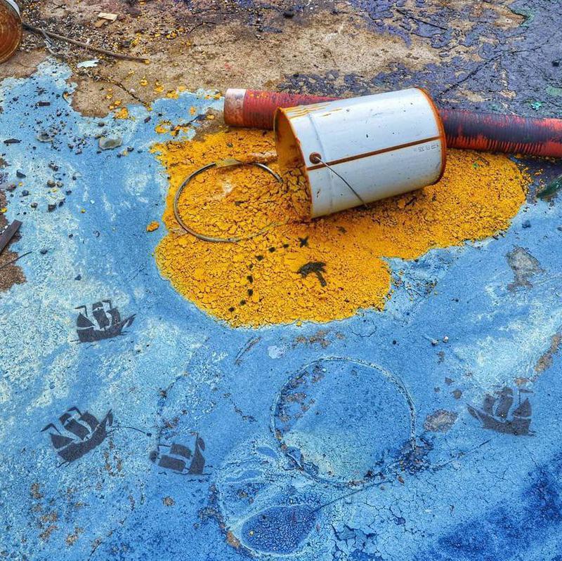 Street treasure hunt art intervention in France