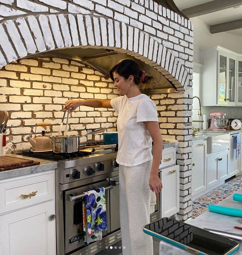 Selena Gomez cooking