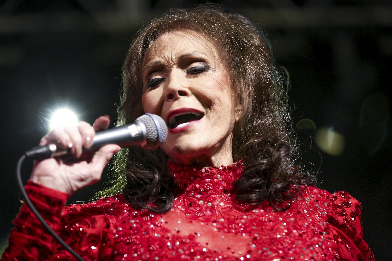 Loretta Lynn in 2016