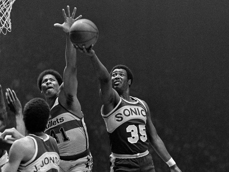 Wes Unseld and Paul Silas