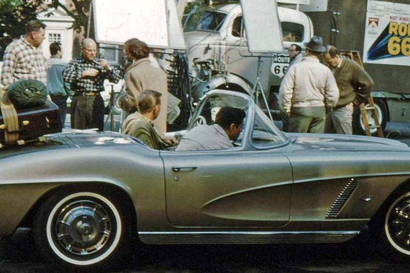 16. 1961 Corvette