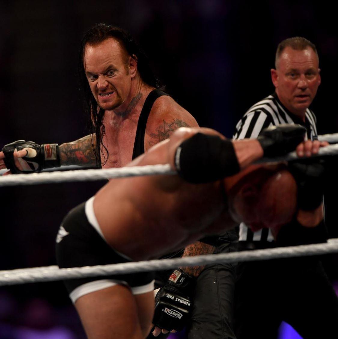 Goldberg vs. Undertaker at Super ShowDown
