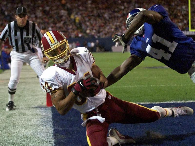 Washington Redskins wide receiver Andre Reed scores touchdown