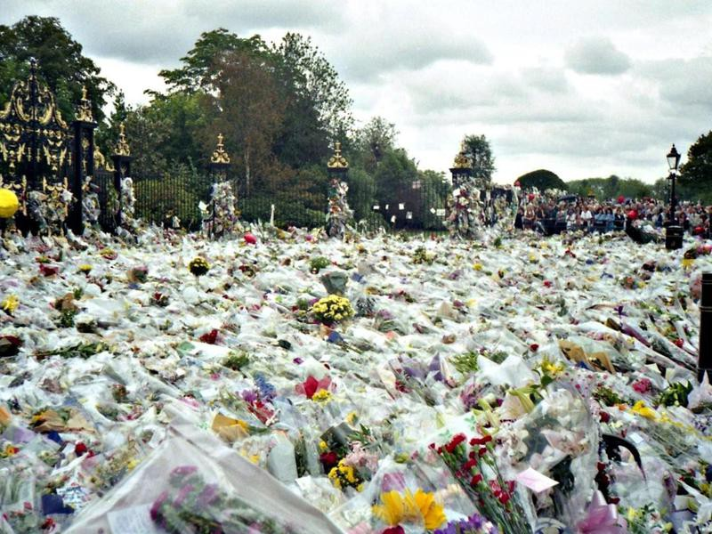 Flowers in honor of Princess Diana