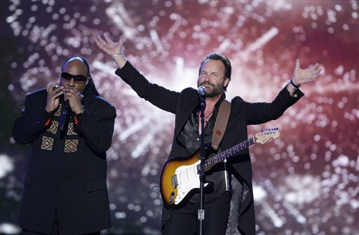 Sting and Stevie Wonder performing in 2009