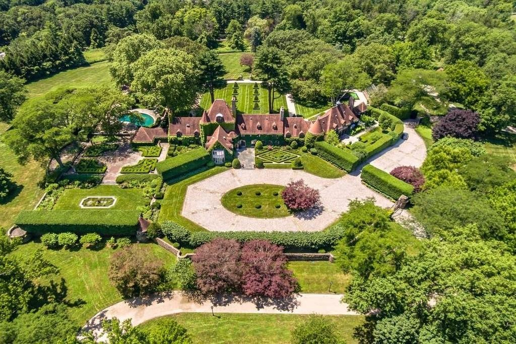 Huge mansion in Greenwich, Connecticut