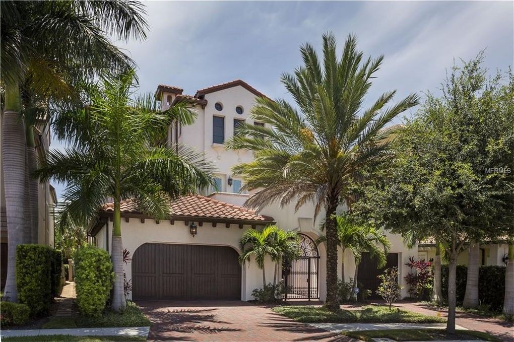 Gronk's house in Tampa, Florida
