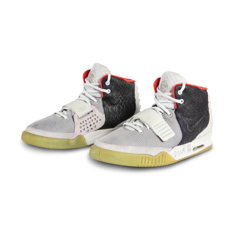 Nike Air Yeezy 2 'Mismatch'