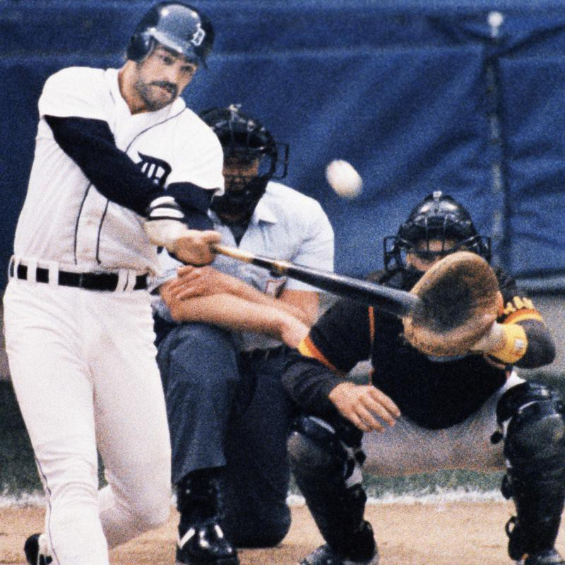 Kirk Gibson hits two run home run