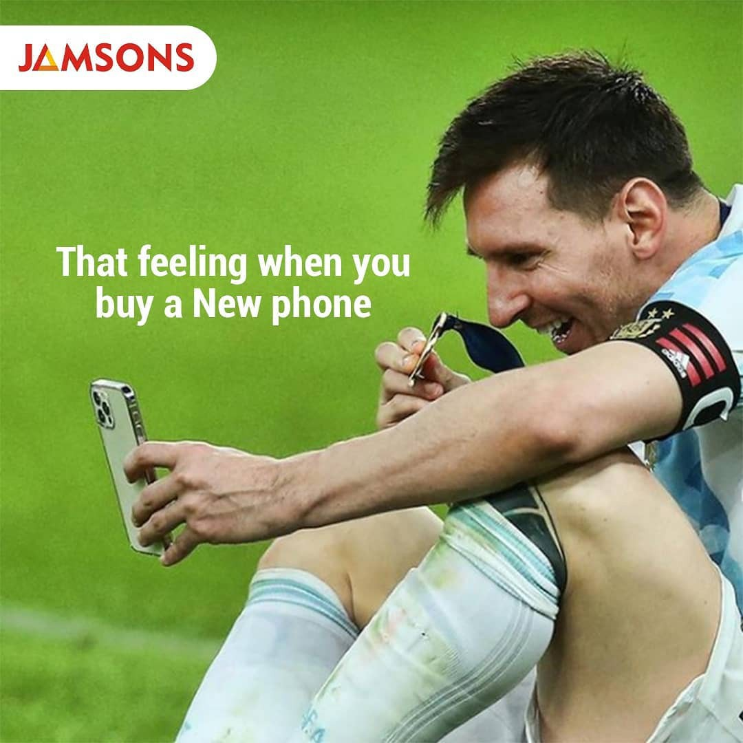 Messi selfie with medal