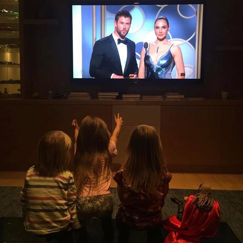 Chris Hemsworth and his children
