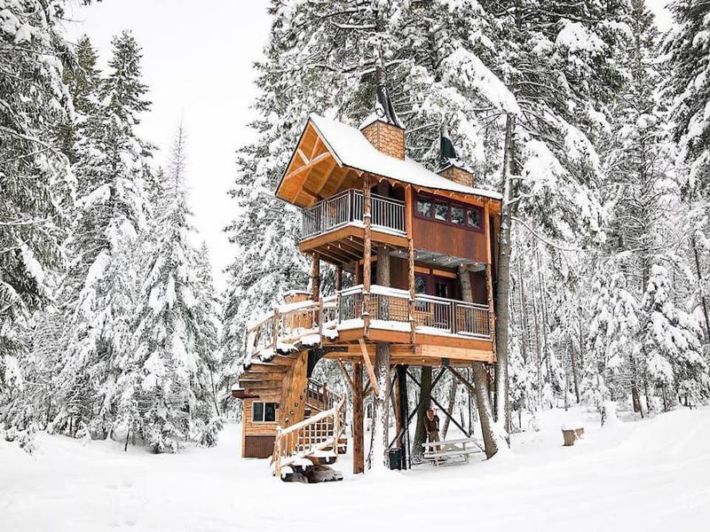 Meadowlark Treehouse in Montana