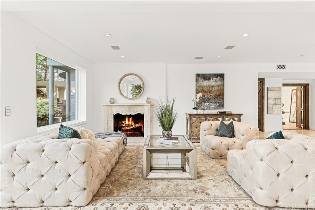 Living room with tufted furniture