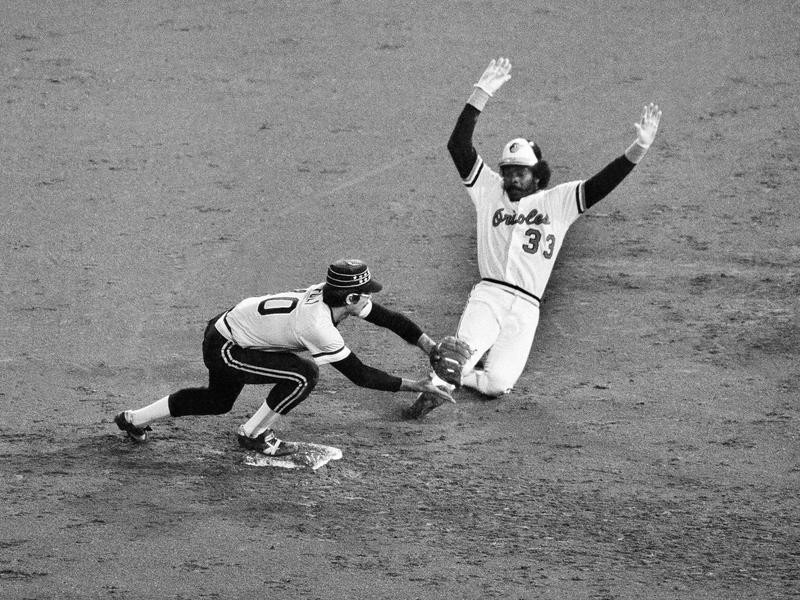 Orioles' Eddie Murray safe at second base