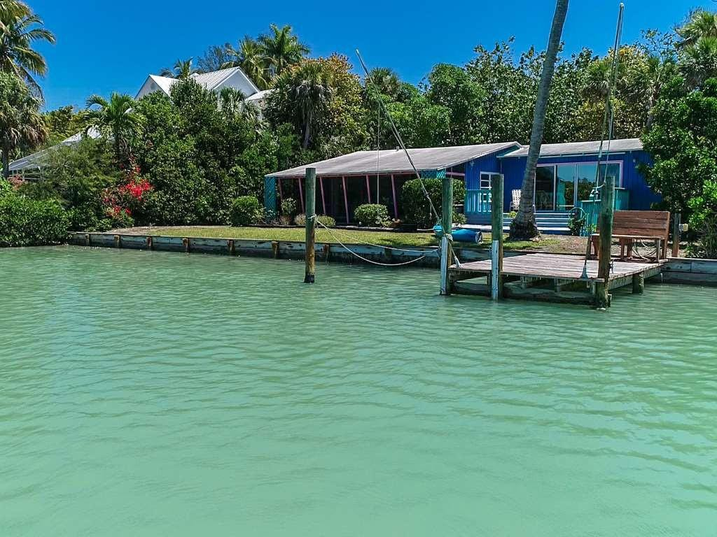 House on the water in Sanibel Island
