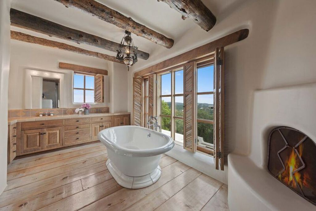 George Strait's bathroom