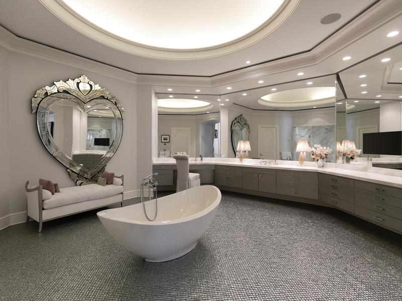 Petra Eccelstone's former bathroom
