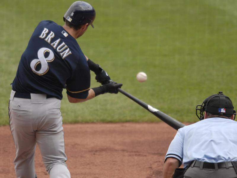 Ryan Braun connects with ball for RBI single