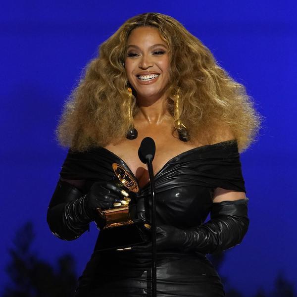 50 Beyoncé Tweets That Prove She's the Queen Bey