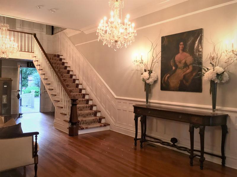 Entry to antebellum mansion