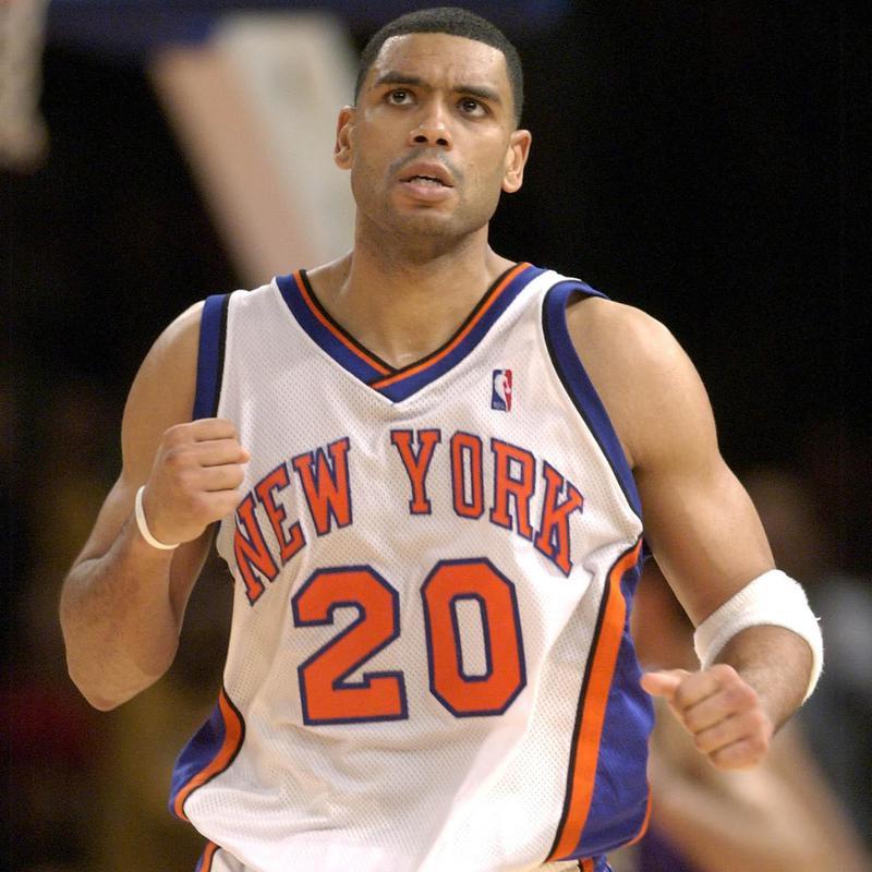 New York Knicks guard Allan Houston pumps fist