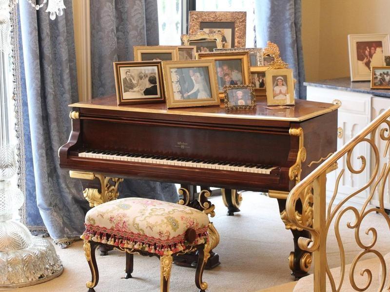 Wayne Newton's piano