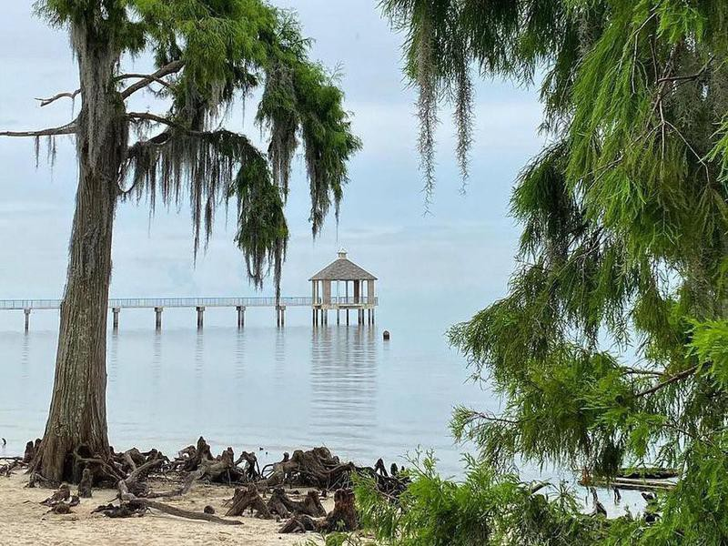 Fontainebleau State Park dock