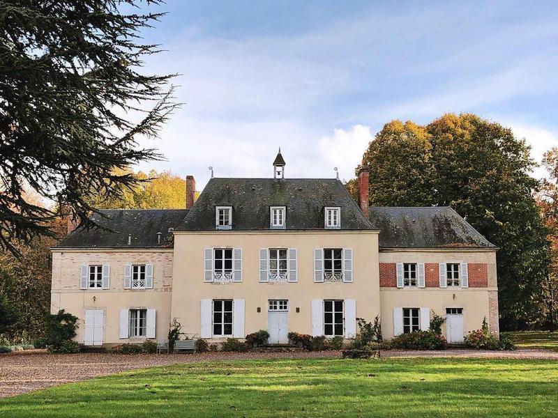 Château de la Ruche exterior