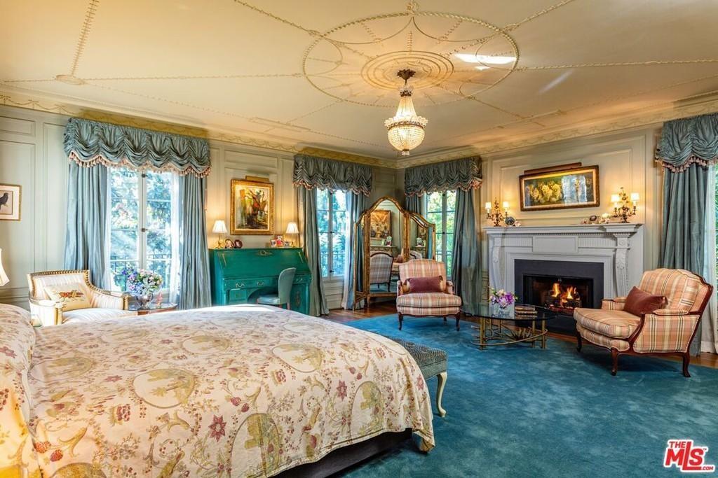 Bridget Fonda's bedroom