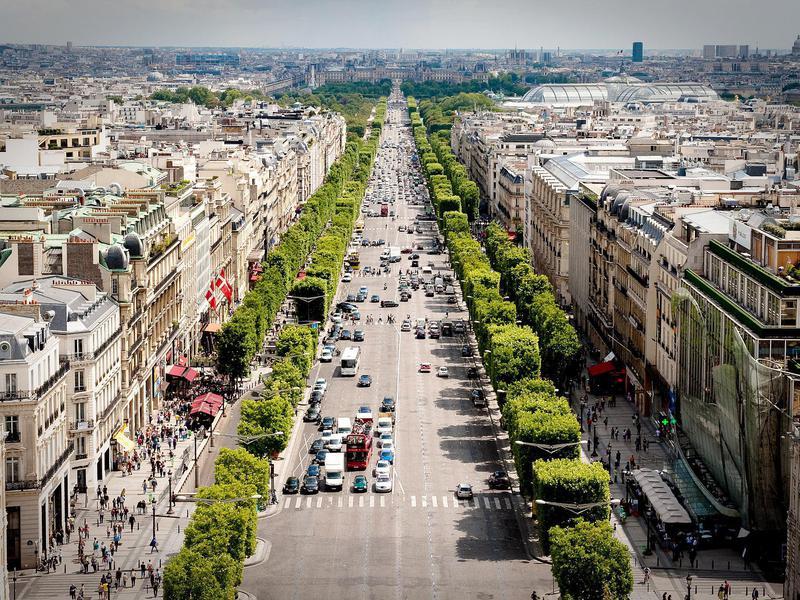 Avenue de Champse-Elysees
