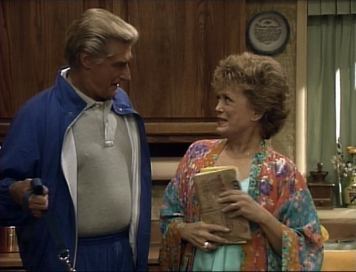 Rue McClanahan and Richard Mulligan in The Golden Girls