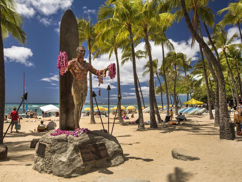 Duke Kahanamoku Statue on Waikiki Beach