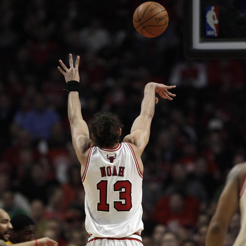 Joakim Noah free throw