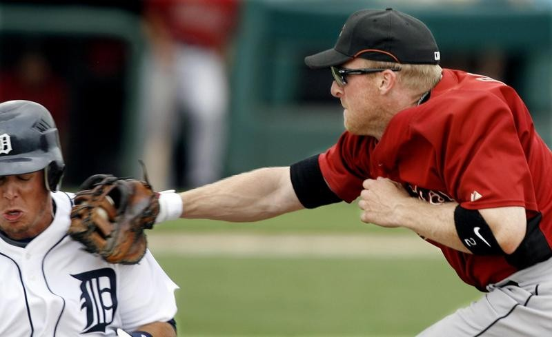 Darin Erstad Tags Out Brent Cleven