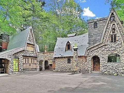 Medieval home in Maine