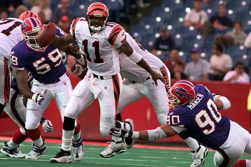 Akili Smith with the Cincinnati Bengals in 2000