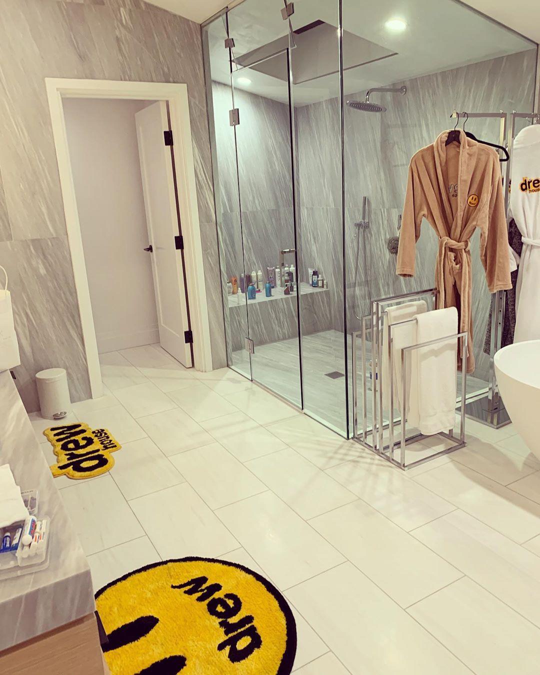 Justin Bieber's bathroom