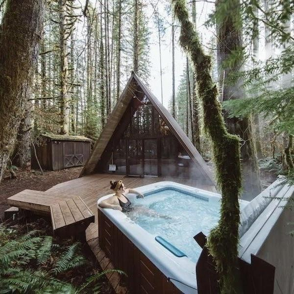 Best Airbnb Cabins With Hot Tubs