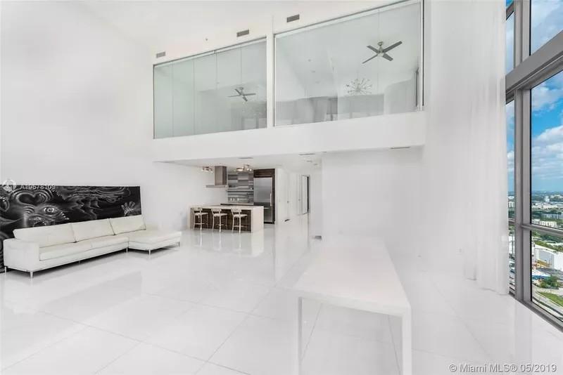 Rob Gronkowski's living room